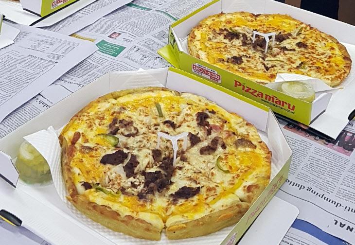 예산 위해 고생한 기재부 직원 격려…문 대통령이 보낸 피자