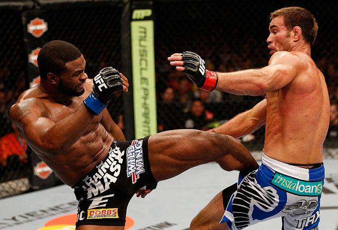 UFC161_06_Shields_Woodley_03