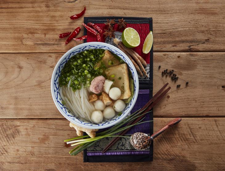동남아식 어묵국수 (꾸이띠여우 룩친쁠라) (1)
