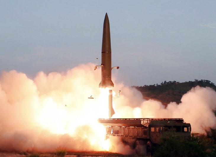 북한, 동해로 미상발사체 2회 발사