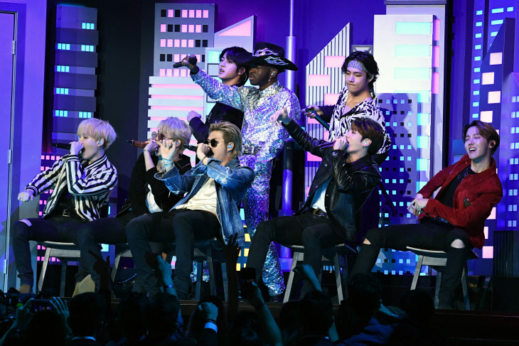 US-ENTERTAINMENT-MUSIC-GRAMMY-SHOW <YONHAP NO-2878> (AFP)