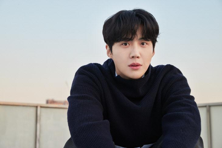 """[비바100] 김선호 """"'연기'에 투자한 청춘, 후회하지 않아요"""""""