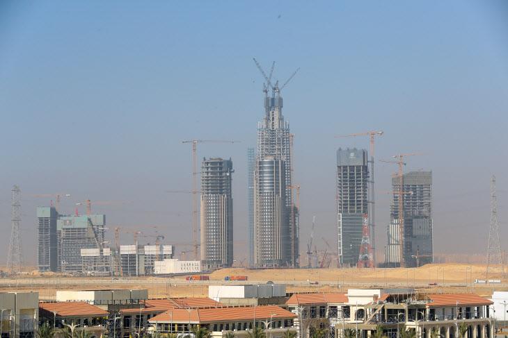 사막에 건설되는 이집트 신행정수도의 중심 사업지구 전경